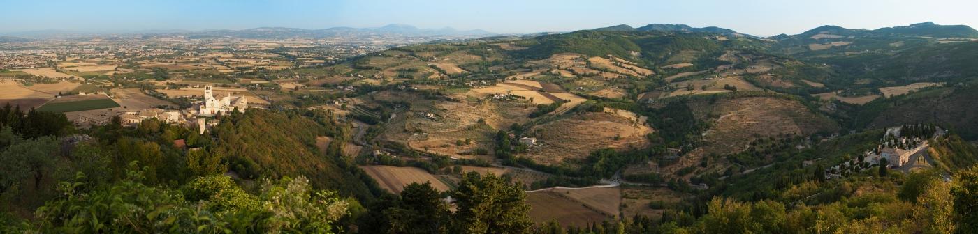 villa il bacio del lupo Italy Rent this villa in Perugia. Yoga retreats and teacher trainings.
