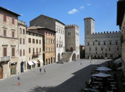 Todi has one of the best-kept medieval squares of Italy